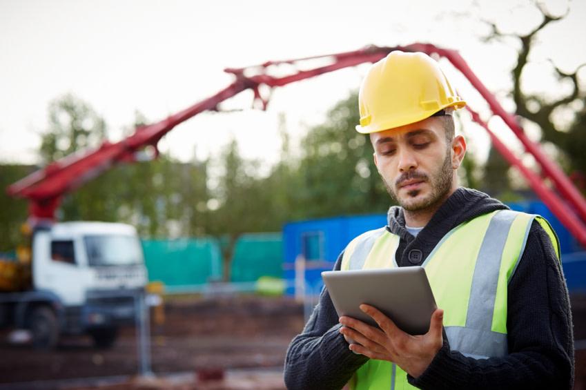 construction-tablet-iot